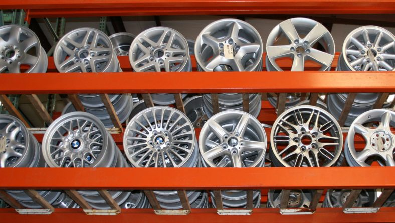 Why are OEM alloy wheels so popular?